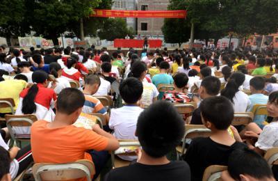 贺州市开展健康中国行――健康素养知识巡回讲座走进校园