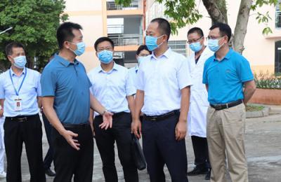贺州市委常委、副市长罗声鸣莅临新冠病毒疫苗接种现场开展督导工作